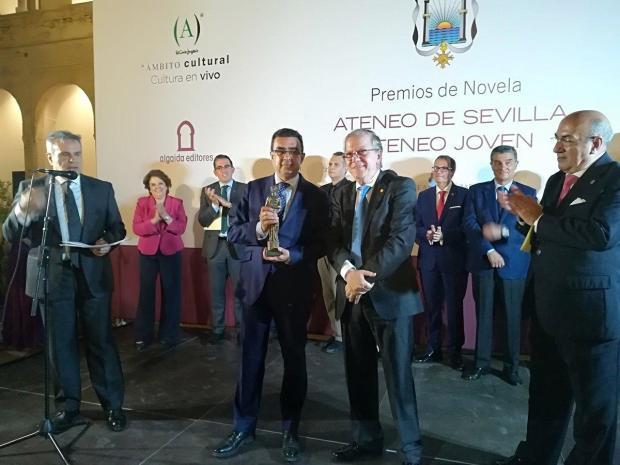 Francisco Robles - Premio de Novela Ateneo de Sevilla