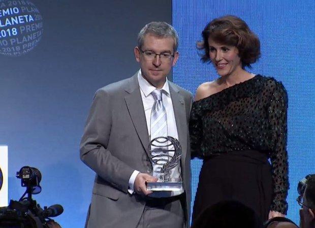 Santiago Posteguillo y Ayanta Barilli, ganador y finalista del Premio Planeta 2018